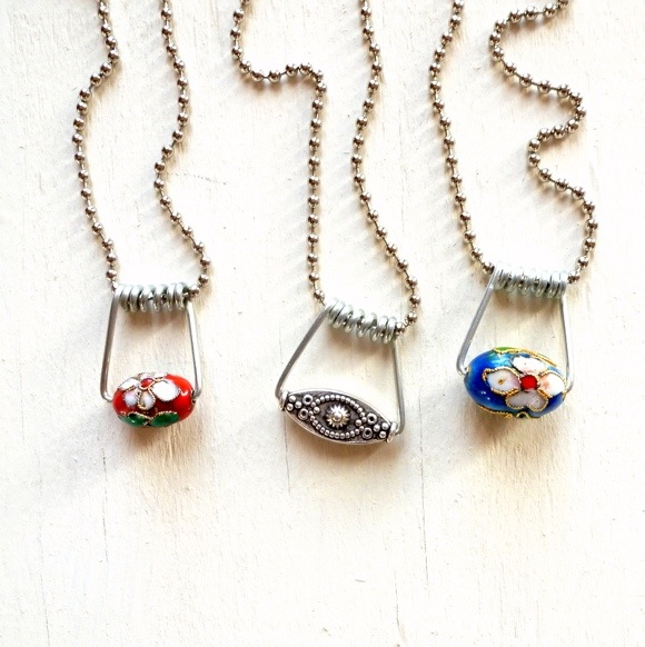 Make Wire Jewelry with Clothespins » Dollar Store Crafts