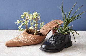 make a shoe flower pot