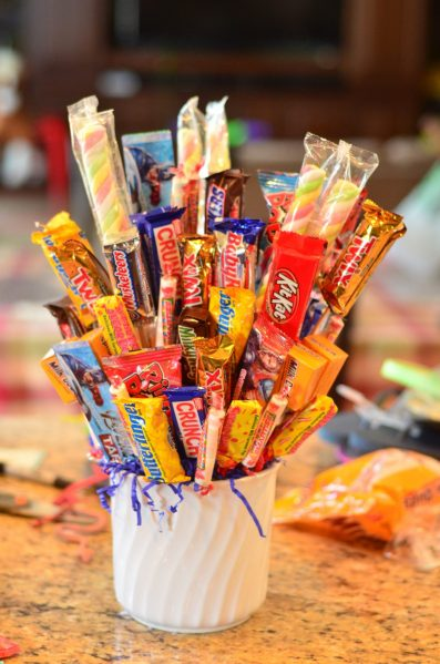 Tutorial: Candy bouquet - dollar store crafts
