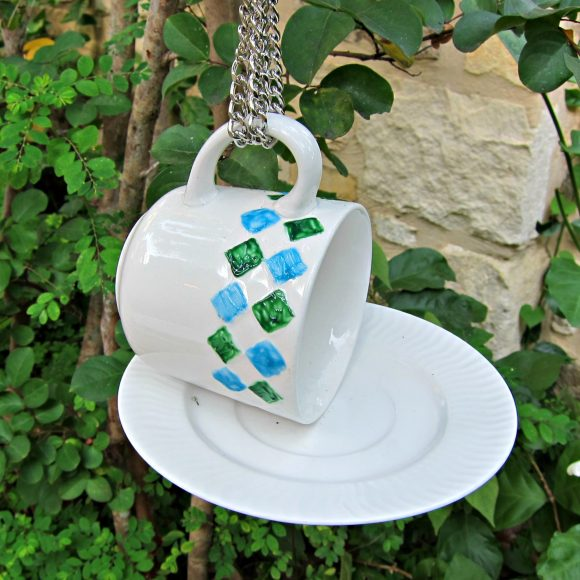 Bird Feeder Teacup DIY