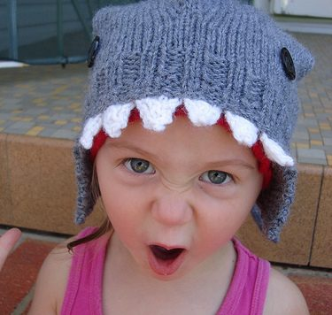 knit a shark hat