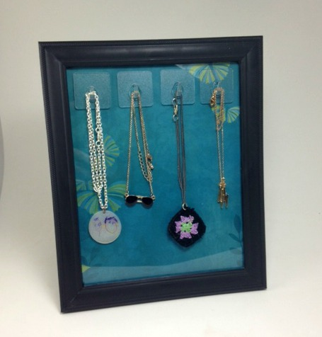 picture frame necklace stand