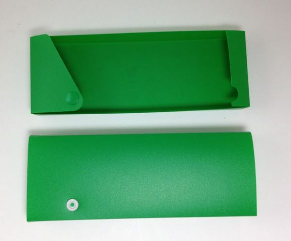 back to school craft: cover a pencil box with duct tape