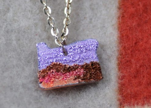 How to make an Oregon necklace out of shrink plastic