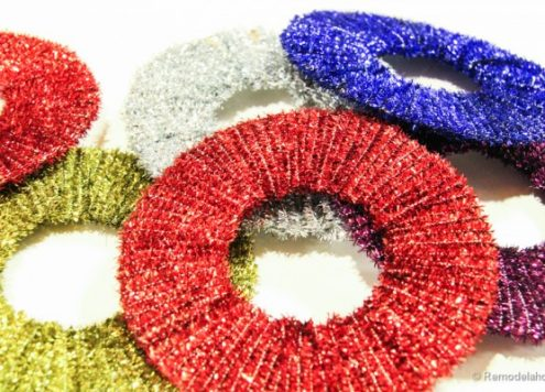 Make Pip Cleaner Wreath Ornaments
