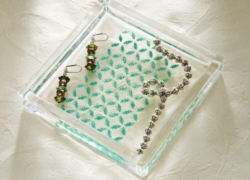 How to make a glittery glass jewelry tray