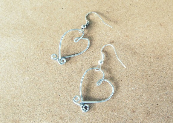 how to make bent wire heart earrings