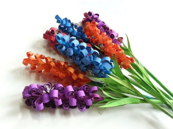 Make Curly Paper Flowers