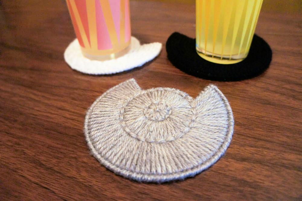 Make plastic canvas cat coasters dollar store crafts for Plastic canvas crafts for kids
