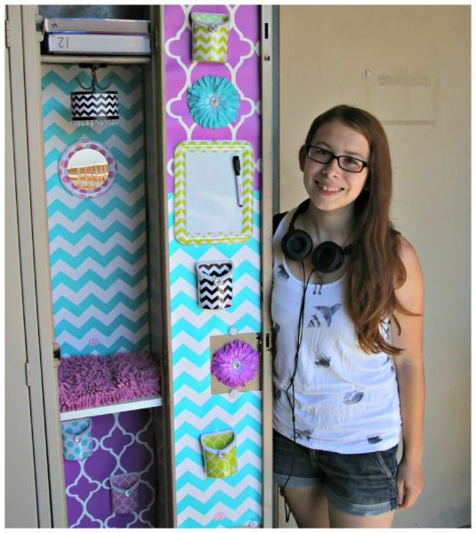 LLZ by Lockerlookz - such a cute and easy way to decorate your locker. I love that chandelier!