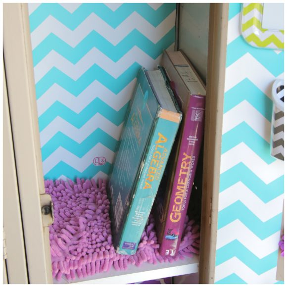 Locker carpets! So cute! Coordinating locker decorations from Lockerlookz
