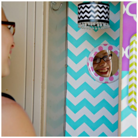 Lockerlookz - so cute, and easy way to decorate your locker