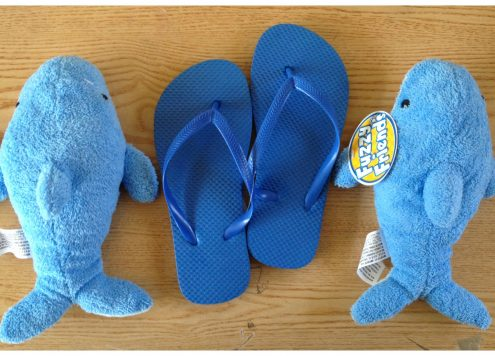 Tutorial: Shark Flip-Flops from DollarStoreCrafts.com