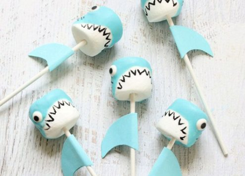 Make Shark Marshmallow Pops