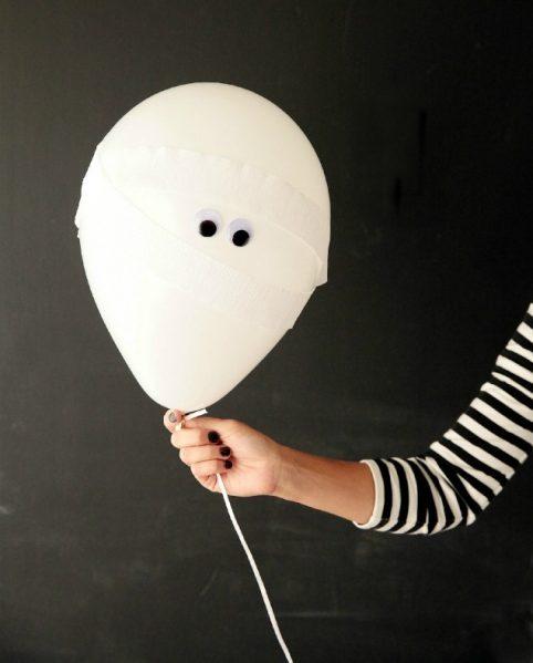 Make Mummy Balloons