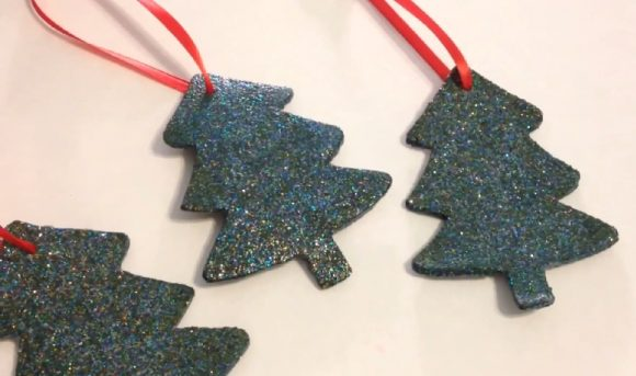 Can you guess the secret ingredient that gives these pretty cork ornaments their festive color?