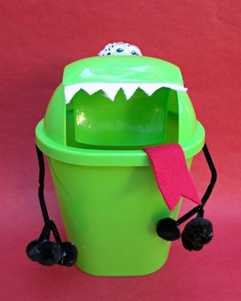 trashcan alien