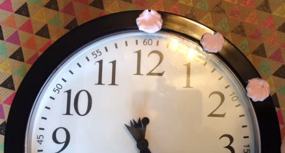 collage clay decoden clock