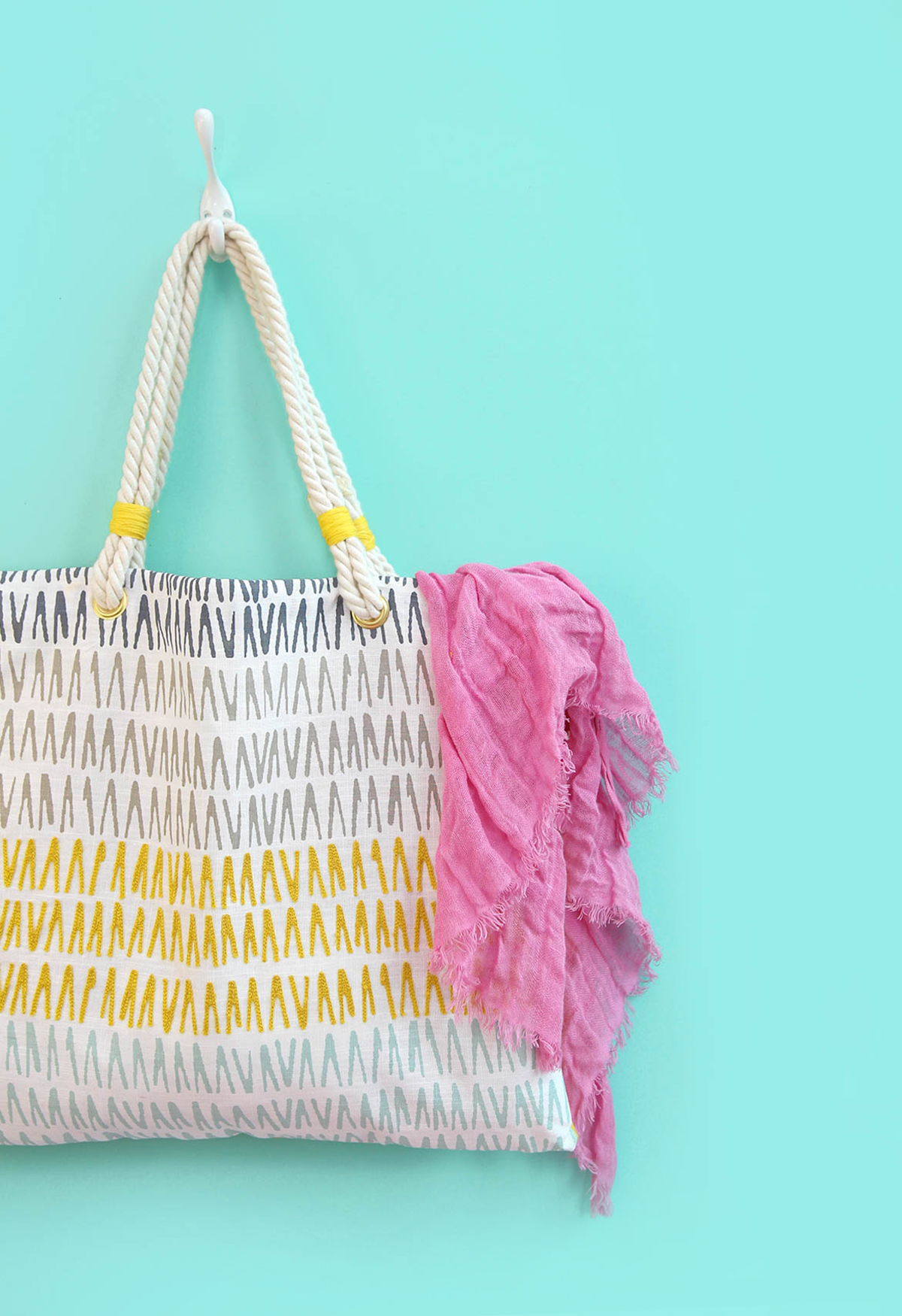 Make A Throw Pillow Tote Bag 187 Dollar Store Crafts