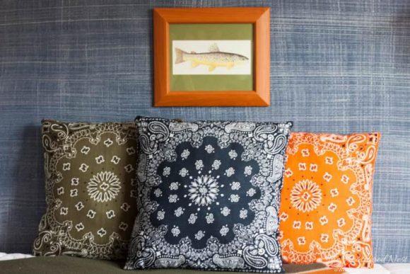 DIY Dollar store bandanna pillows - from HeatheredNest