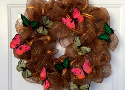 How to Make a Deco Mesh wreath - dollar store craft