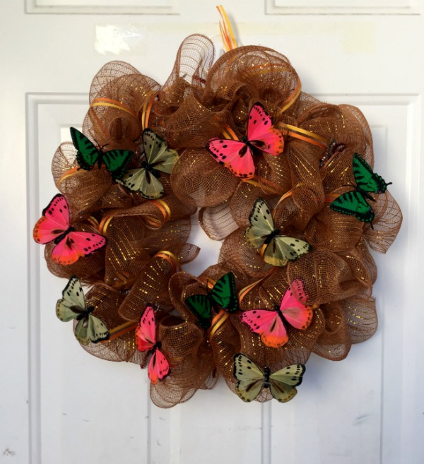 How To Make A Deco Mesh Wreath 187 Dollar Store Crafts