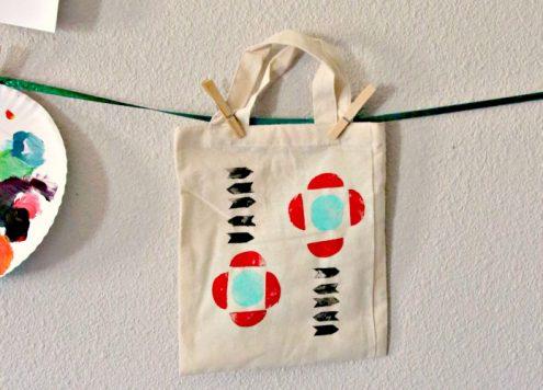 Make a trendy geometric tote bag from potatoes!