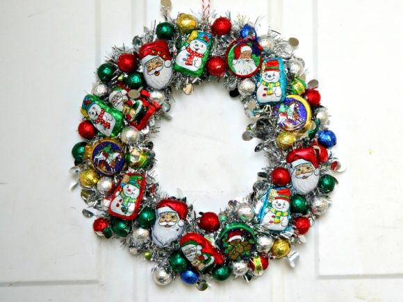 "DIY Christmas Candy ""Ornament"" Wreath"