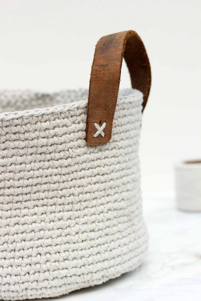 http://dollarstorecrafts.com/wp-content/uploads/2017/01/Twine-Leather-Free-Crochet-Basket-Pattern-12-399x599.jpg