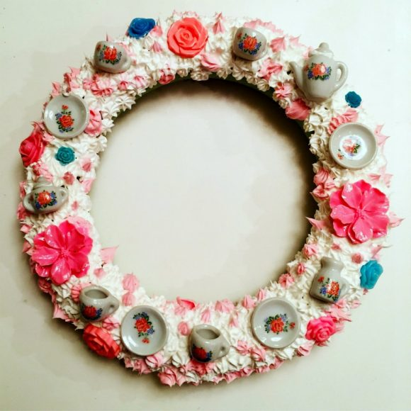 DIY Frosting & Tea Decoden Wreath