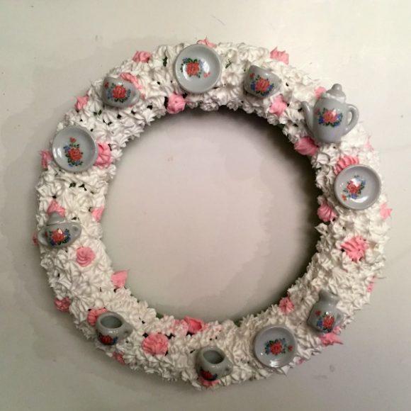 Tea & Frosting Decoden Wreath