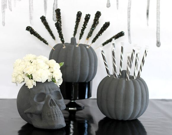 Make dollar store party decorations for halloween - dollar store crafts